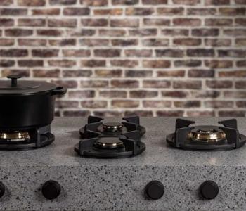 PITT-cooking-at-Hausmesse-2018-Dekker-Vuur